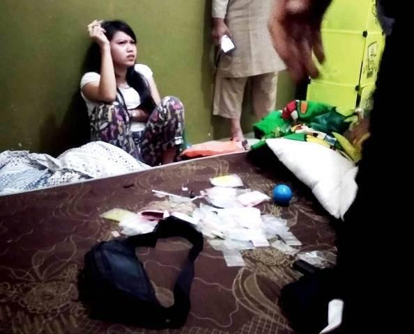 Rumah Kontrakan di Tembung Kerap Jadi Sarang Narkoba dan Prostitusi, Warga Serahkan Wanita Pengedar Sabu ke Polsek Percut Sei Tuan
