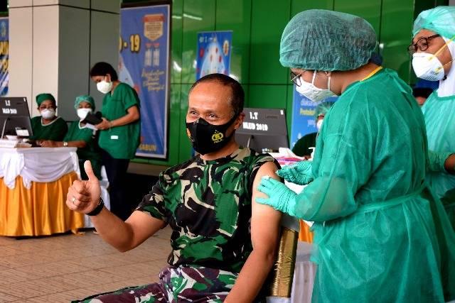 Pangdam XVII/Cenderawasih Terima Vaksin Covid-19 Tahap Pertama di Provinsi Papua