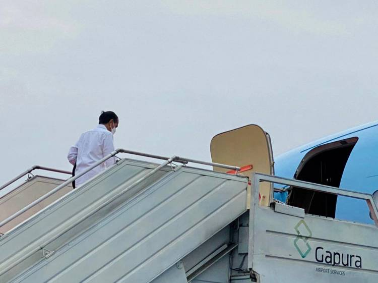 Presiden Jokowi Tinjau Penanganan Gempa di Sulbar