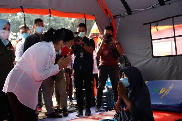 Pasca Bencana Longsor di Sumedang, Menteri Bintang Bangun Pos Pengungsi Khusus Perempuan dan Anak