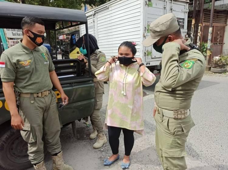 Tak Pakai Masker, 15 Warga Terima Sanksi Sosial dari Polsek Medan Timur