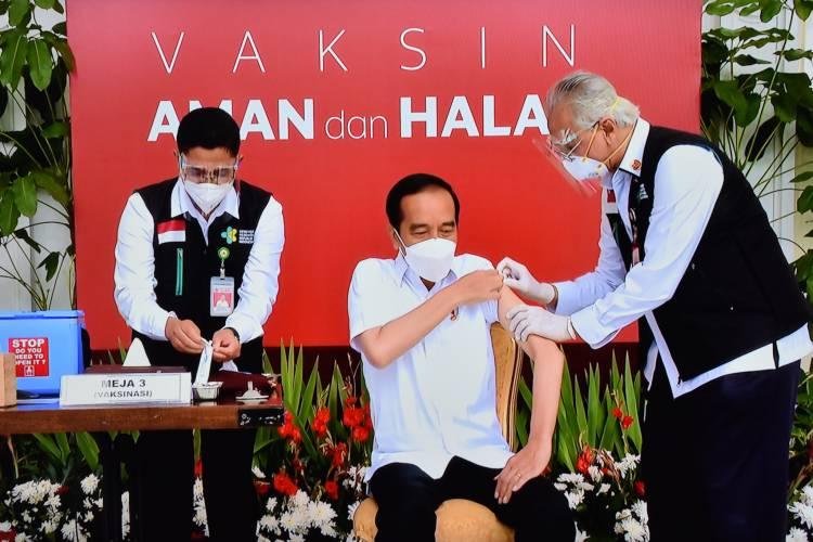 Presiden Jokowi: Vaksinasi COVID-19 Akan Dilakukan di Seluruh Tanah Air