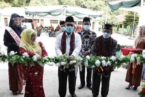 Akhyar Nasution Resmikan Gedung Pusat Pembelajaran Terpadu MAN 3 Medan