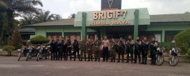 Sinergitas TNI-Polri : Tim Reaksi Cepat Sat Sabhara Polres Deli Serdang Kunjungi Brigif 7/RR