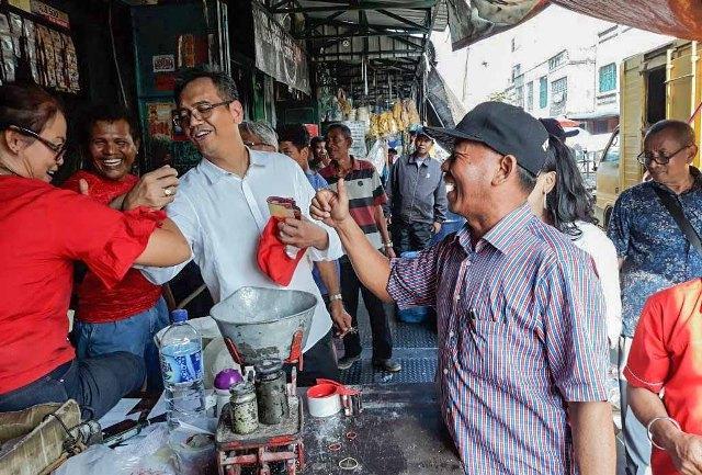 Sihar Sitorus ke Pasar Deli Mas di Pakam, Para Pedagang Heboh
