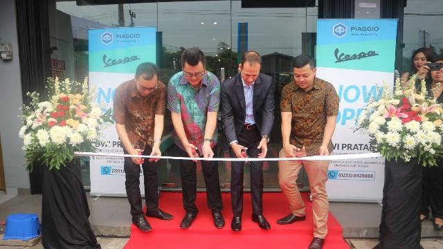 PT Piaggio Indonesia Resmikan Dealer Resmi Pertama PT Dwi Pratama Mandiri di Bogor