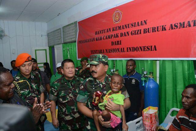 Satgaskes TNI Vaksinasi 13.336 Anak di 224 Kampung Kabupaten Asmat