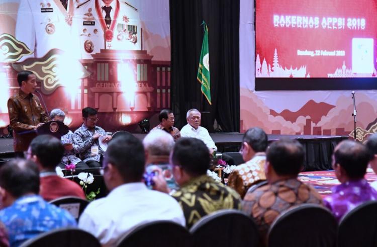 Bertemu Gubernur se-Indonesia, Presiden Ingatkan Peran Pemda Tingkatkan Pertumbuhan Ekonomi