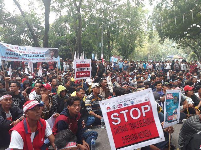 Inilah 8 Tuntutan dari Unjuk Rasa Aliansi 3000 Nelayan di DPRD Sumut