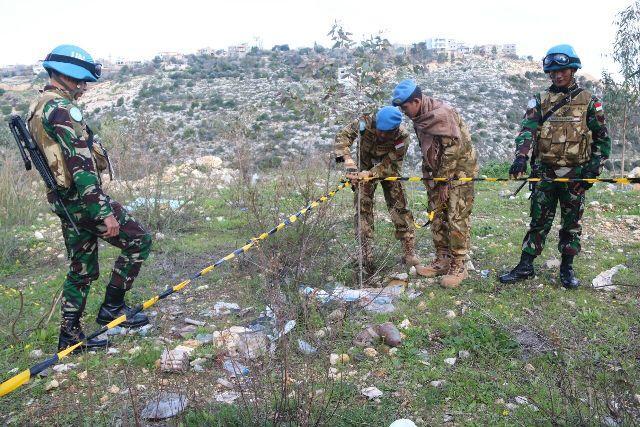 Patroli Satgas Indobatt XXIII-L Unifil Temukan UXO di Distrik Tulin Lebanon