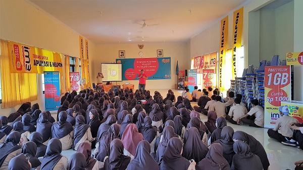 Indosat Ooredoo Latih Literasi Digital dan Bijak Bersosial Media di 50 Kota dan Kabupaten