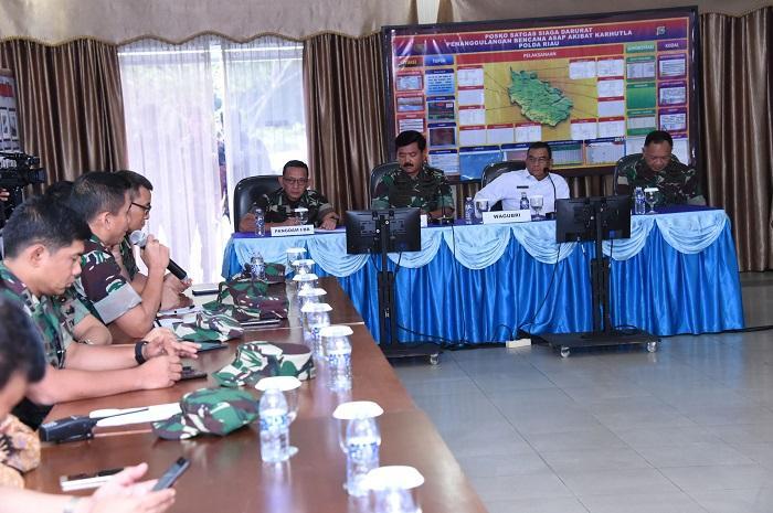 Tangani Kebakaran Hutan di Riau, TNI Siapkan Pasukan dan Pompa Air