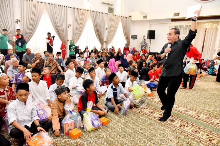 Gubernur Sumut Edy Penuhi Janji Bermain bersama Anak Panti Asuhan di Rumah Dinas