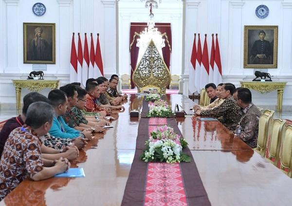 Sudah Mengabdi 10 Tahun, Presiden Jokowi Minta Karyawan Perkebunan Diberi Lahan 1.000 Meter Persegi