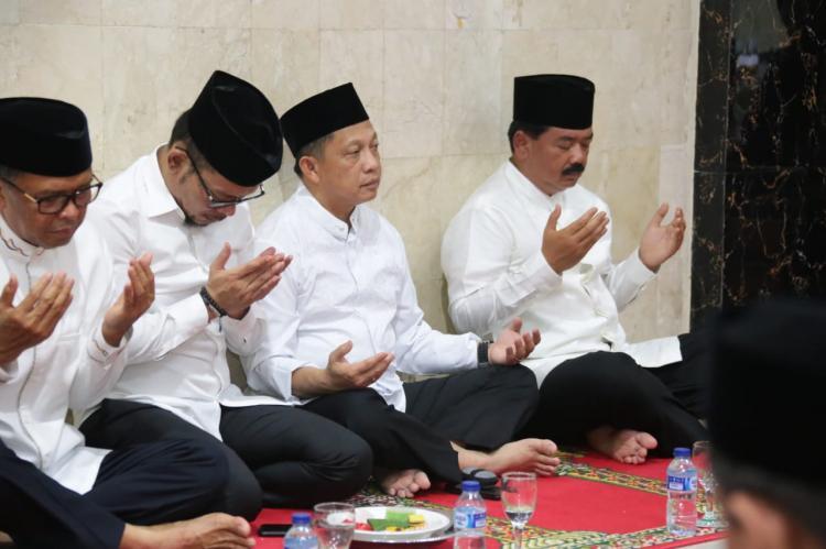 Kapolri Bersama Panglima TNI melaksanakan Silaturahmi ke Pondok Pesantren Nahdlatul Ulum Maros Sulawesi Selatan