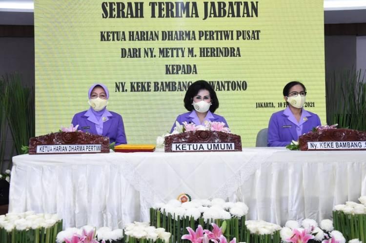 Ketum Dharma Pertiwi Pimpin Sertijab Ketua Harian Ny Keke Bambang Suswantono