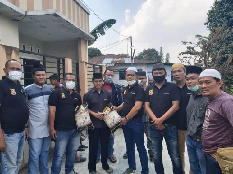 Ketua Pewarta Polrestabes Medan Melayat ke Rumah Duka Kartini Tumanggor Sekaligus Memberikan Santunan