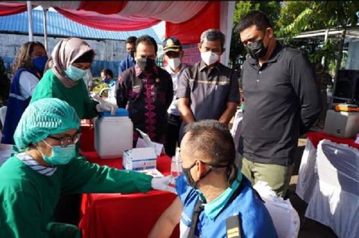 Wali Kota Medan Bobby Nasution Tinjau Vaksinasi Covid-19 di Terminal Amplas