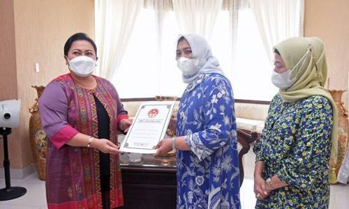 Dekranasda Sumut Salurkan Bantuan untuk Perajin di 10 Kabupaten/Kota