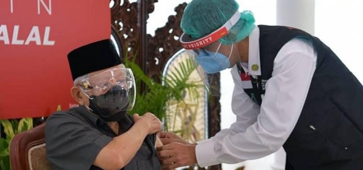 Sudah Divaksin, Wapres Ajak Penduduk Lansia Lakukan Vaksinasi