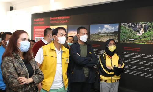 Wagub Sumut : Ayo ke Danau Toba Dengan Tetap Menerapkan Protokol Kesehatan