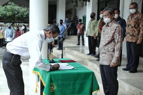 Plh Wali Kota Medan Serahkan SK Pengangkatan PPPK Pemko Medan, Wiriya Alrahman: Jangan Berleha-leha