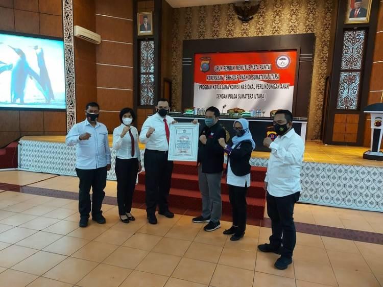 Kapolrestabes Medan, Kasat Reskrim dan Kanit PPA Terima Penghargaan dari Komnas Perlindungan Anak Indonesia