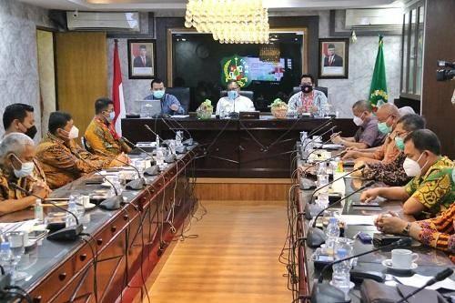 Akhyar Nasution Sambut Kedatangan Tim Korsupgah KPK di Pemko Medan