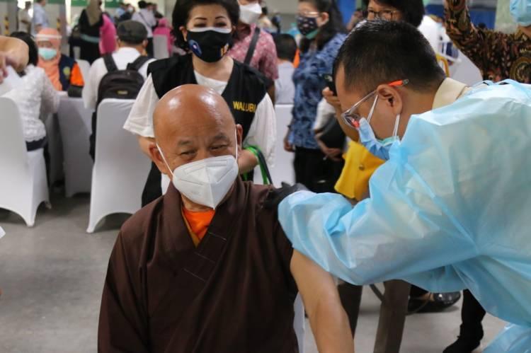 Pemerintah Gelar Vaksinasi Massal Bagi Tokoh Agama