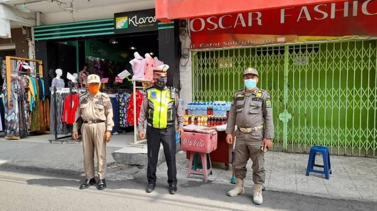 Tim Gabungan Polsek Medan Baru Kembali Tertibkan PKL di Jalan Gatot Subroto