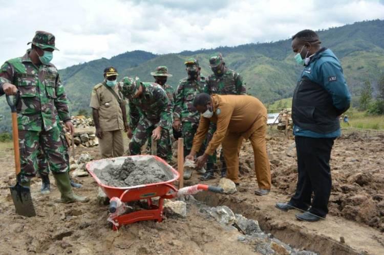 Masyarakat Antusias Sambut TNI Manunggal Membangun Desa