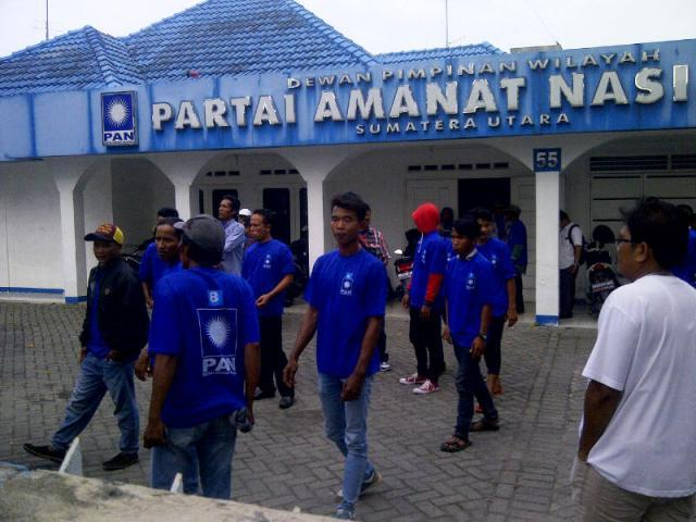 Ketua DPD PAN Diganti, Pengurus DPC PAN Deli Serdang Protes Datangi Kantor DPW PAN Sumut
