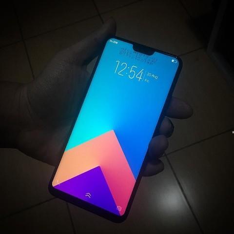 Tampilan Terkini Vivo Smartphone Diprediksi Hadir dengan Desain Bezel-Less