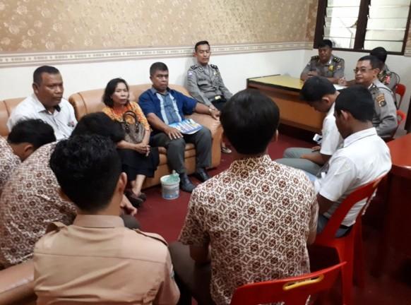 Polsek Medan Baru Problem Solving Tawuran Pelajar SMK Immanuel dan SMAN 4 Medan