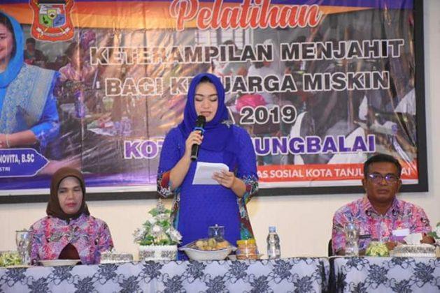Dinsos Tanjungbalai Laksanakan Pelatihan Menjahit dan Merangkai Hantaran Pengantin Bagi Keluarga Kurang Mampu