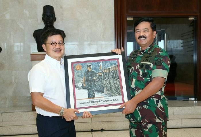 TNI Terima Hibah Keramik dari PT Arwana Citramulia Tbk