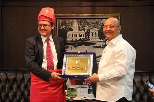 Wali Kota Medan Tawarkan Program Sister City ke Inggris