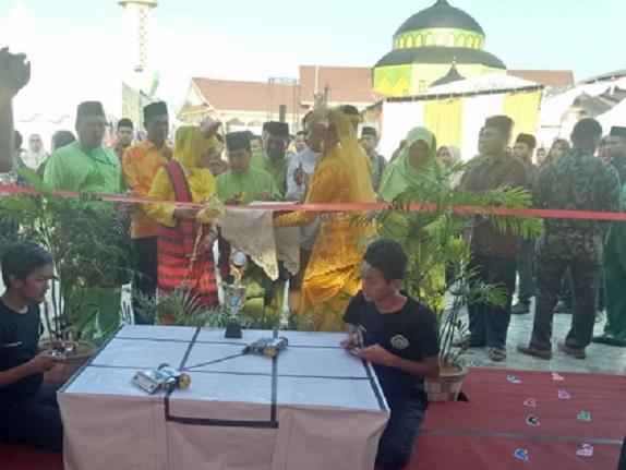 Gebyar Madrasah, MAN 2 Model Medan Tampilkan Robotik Hingga Bolu Kulit Sawo
