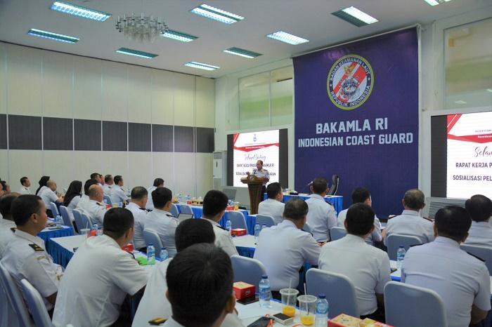 Laksdya TNI Aan Kurnia Tutup Raker Program 2021 Bakamla RI