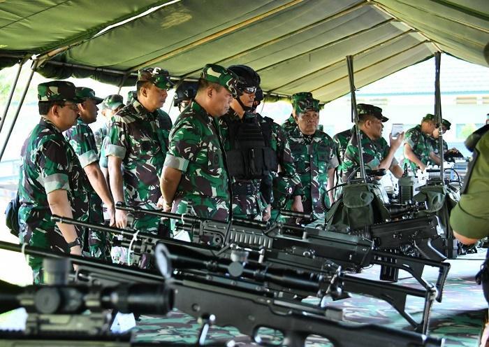 Kasum TNI Cek Kesiapan Operasi Satgas Pamtas Mobile Yonif Raider 900/SBW