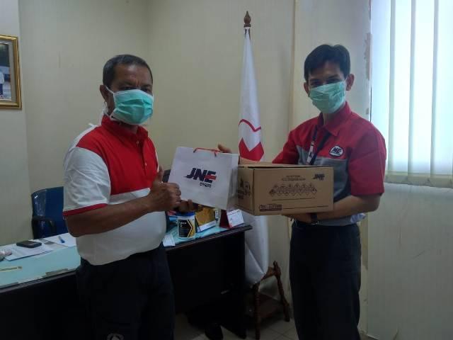 JNE Bantu Relawan PMI Cegah Penyebaran Virus Corona
