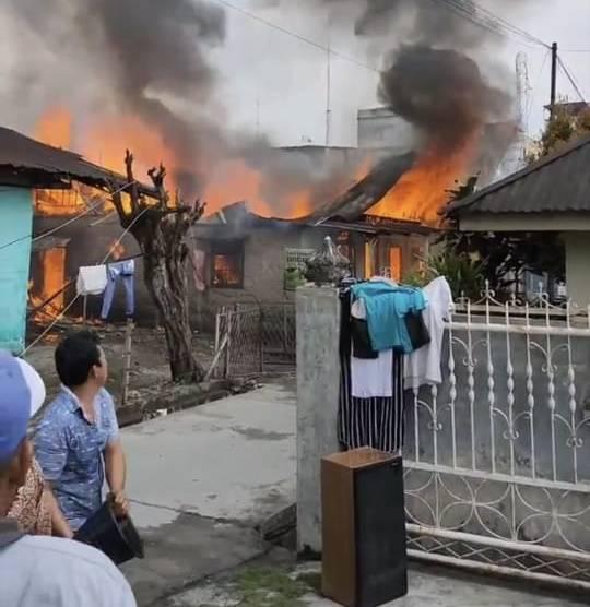 Kebakaran di Jalan Denai Gang Rukun Hanguskan 3 Rumah Warga