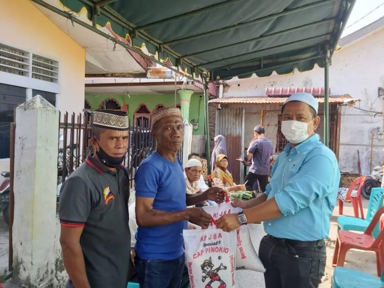 Melayat ke Rumah Almarhumah Manis Boru Ginting, Ketua Pewarta Berikan Santunan