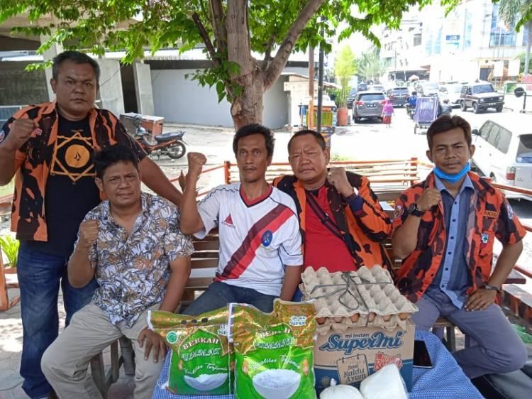 Joko Taringan, Ketua PAC Pemuda Pancasila Medan Area Santuni Mantan Ketua Ranting PP Komat 1 yang Sakit