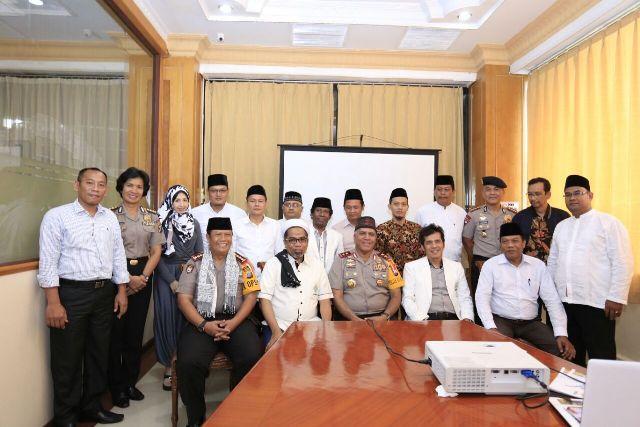 Kapoldasu Silatuhrahmi dengan Pengurus Muballigh se-Indonesia di Hotel Madani Medan