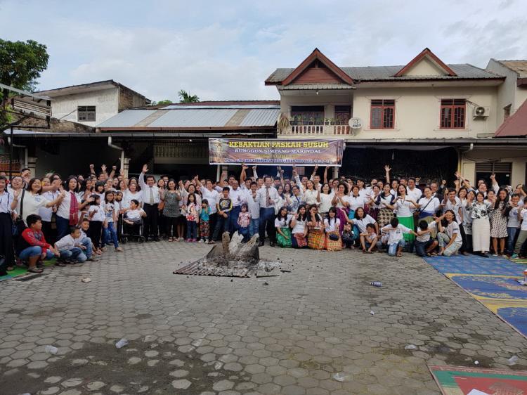 Minggu Berkat, Kapolsek Kutalimbaru Rayakan Paskah di Gereja GBKP Simpang Marindal