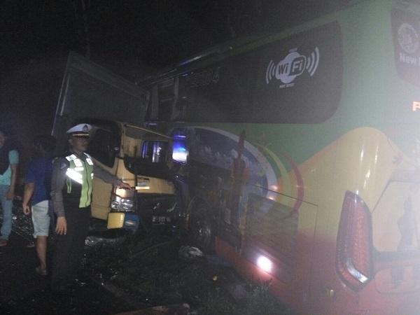 Kecelakaan Maut Libatkan Bus Paradep Trans, Dump Truk, Mobil Boks di Simalungun, Satu Korban Meninggal Dunia