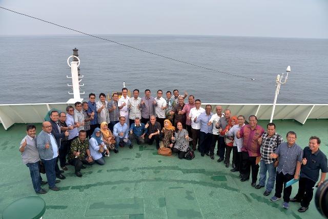 Bangkitkan Lagi Semangat Maritim, Gubsu Kunker Naik KM Kelud