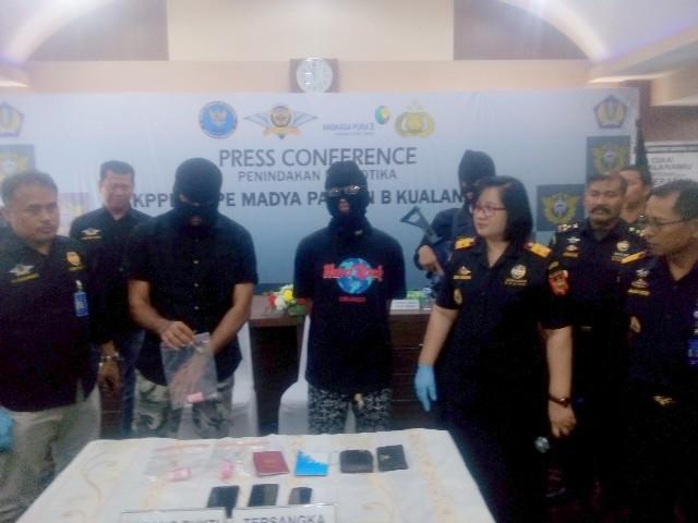 Sembunyikan 91 Gram Kapsul Sabu Dalam Anus, Dua WNA Malaysia Ditangkap di Bandara Kualanamu