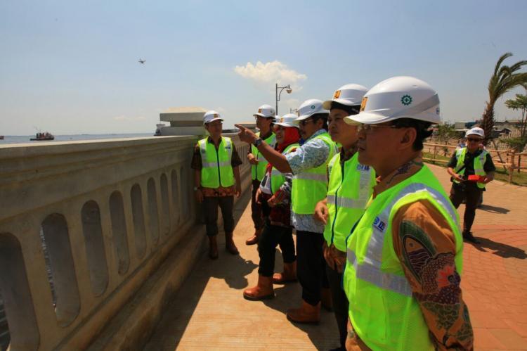 Pembangunan Tanggul Pantai Jakarta Tahap II Ditargetkan Rampung Pertengahan 2018
